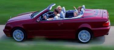 Mercedesy-Benz CLK smotorem V8 a bohatší výbavou