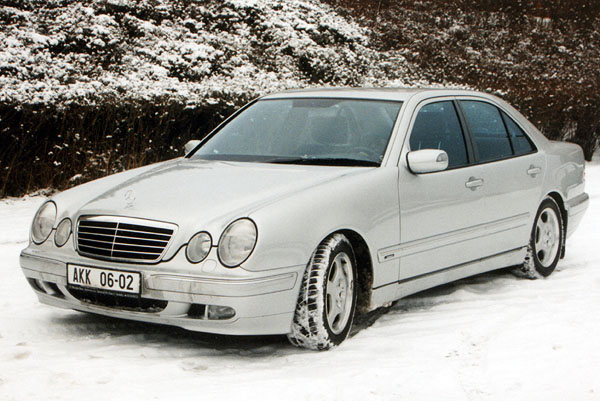 Mercedes Benz E 270 CDI: Svižný a úsporný elegán