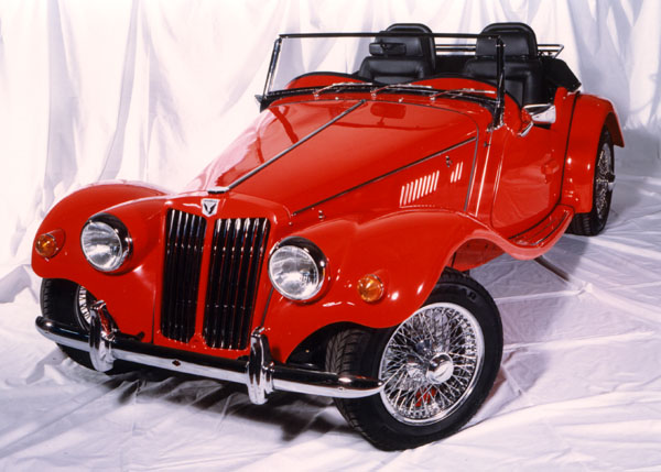 Minelli TF: roadster ve stylu retro
