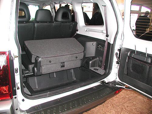 Nové Mitsubishi Pajero 2003 představeno 6. února novinářům