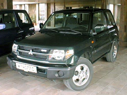 Mitsubishi uvádí od 1. února 2000 terénní Pajero Pinin na český trh