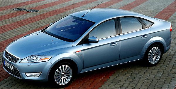 Nový Ford Mondeo získal v nárazových zkoušek pět hvězdiček za ochranu dospělých cestujících