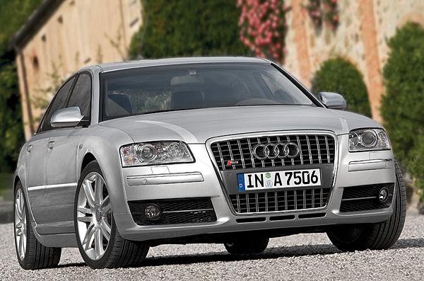 Audi na autosalonu vTokiu