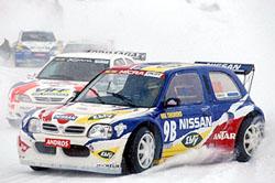 Nissan Micra na ledě