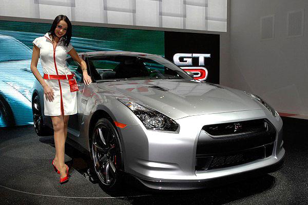 Nissan zveřejnil při představení vozu GT-R na ženevském autosalónu ceny a specifikace pro evropské země