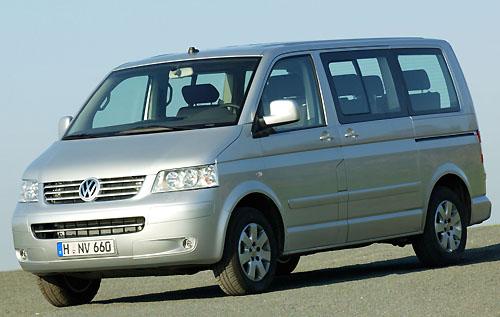 Už ve druhém čtvrtletí tohoto roku se na českém trhu objeví nová generace úspěšných užitkových modelů řady Volkswagen Transporter