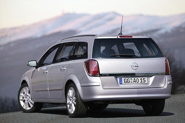 Nový Opel Astra Caravan byl včera představen ve světové premiéře na autosalonu vMadridu
