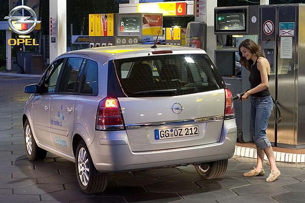 Opel vám nabízí Opel Zafiru a Opel Combo na zemní plyn