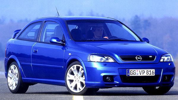 Opel představil ve světové premiéře na mezinárodního autosalonu vLipsku dva sportovní modely