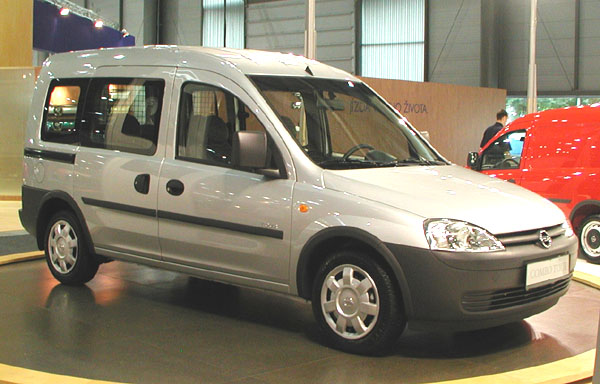 Opel Combo: Kompaktní dodávka skvalitami osobního vozu