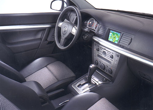 Opel Signum: Business Class modelové škály automobilky