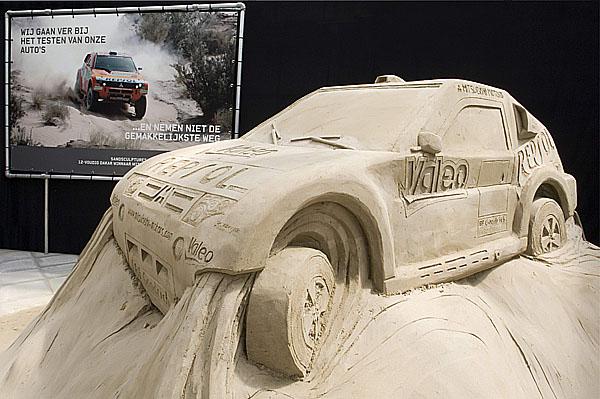 Mitsubishi Pajero Evolution vytvořené z písku