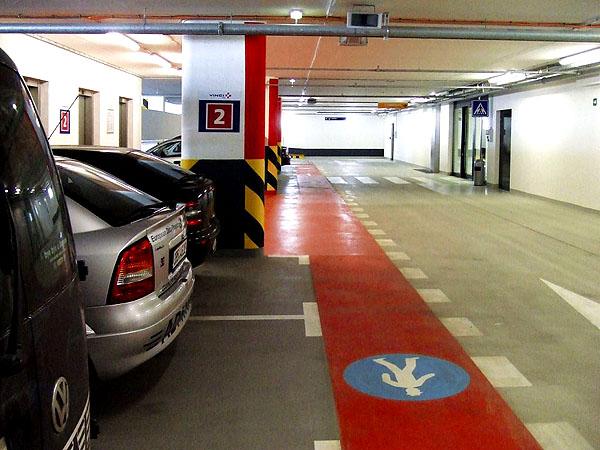 Nové moderní garáže a parkoviště Parking T 1+2 - Park & Fly