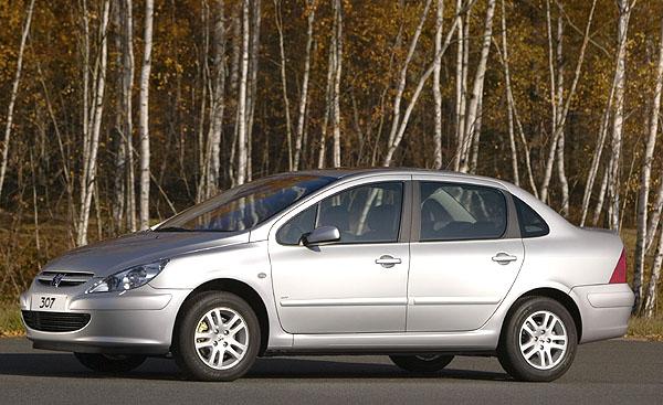 Nová karosářská varianta Peugeotu 307 určená pro čínský trh