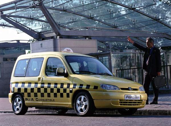 Peugeot Partner Taxi na palivové články