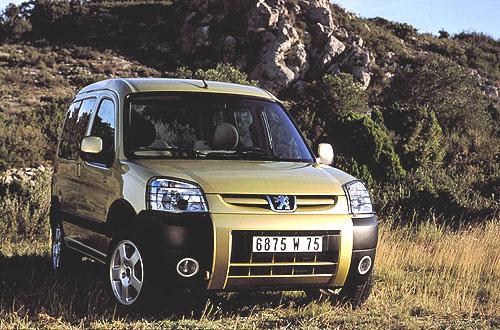 Nová modelová řada Peugeot Partner v osobní i užitkové verzi na českém trhu