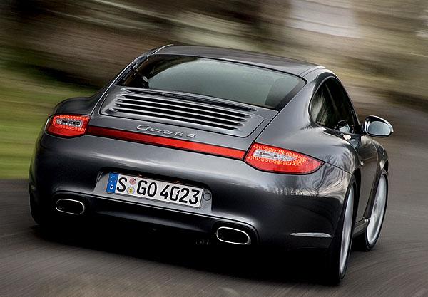 Porsche Carrera 4 selektronicky řízeným pohonem všech kol