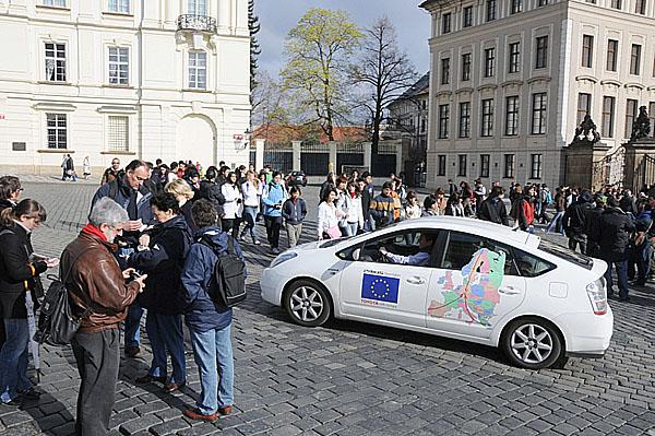 Toyoty Prius úspěšně zakončily evropskou hvězdicovou jízdu na probíhající autosalon vněmeckém Lipsku
