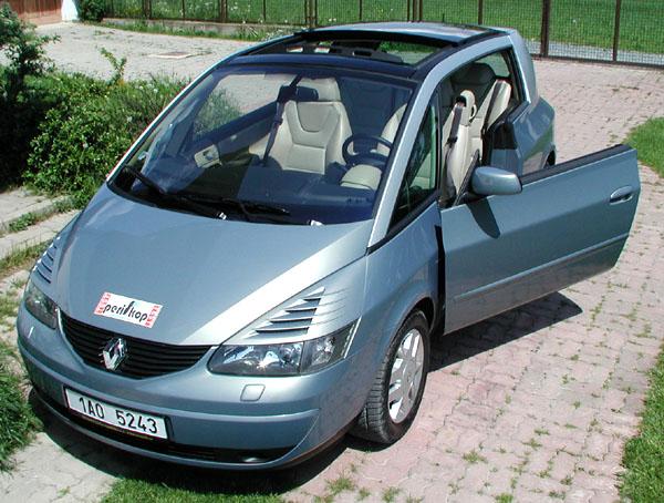 Renault poprvé v České republice překročil hranici 10 000 prodaných vozů