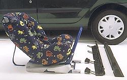 Renault představuje první dětskou autosedačku Isofix
