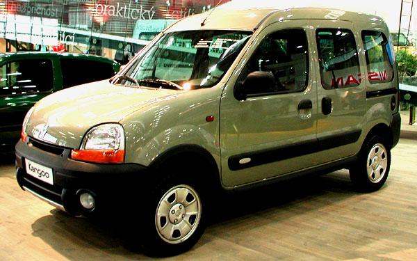 Renault na autosalonu užitkových a nákladních automobilů Autotec 2002 vBrně