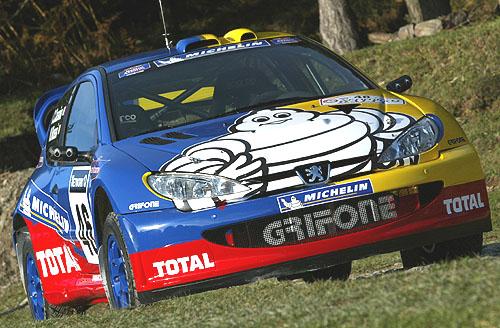 Čtyřnásobný světový šampion nastoupí svozem Peugeot-Michelin 206 WRC na start Britské Rally