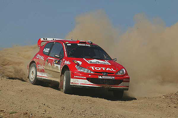 Peugeot mění druhého jezdce svého rallye týmu na 307 WRC