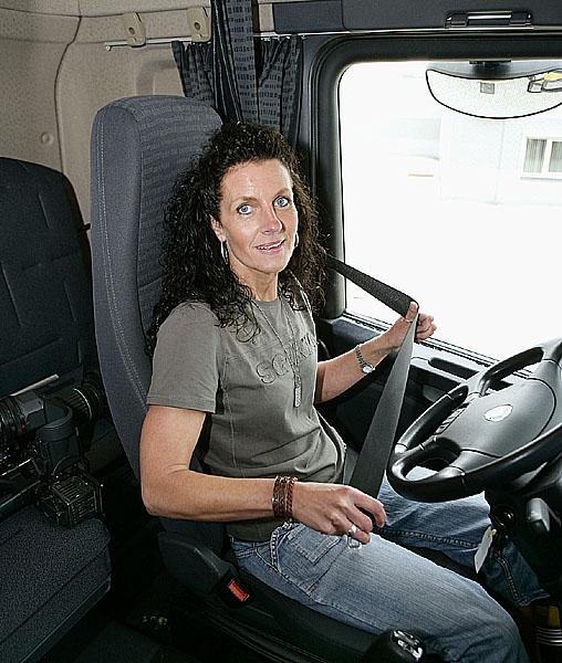 Scania oceněna za přístup kmladým řidičům