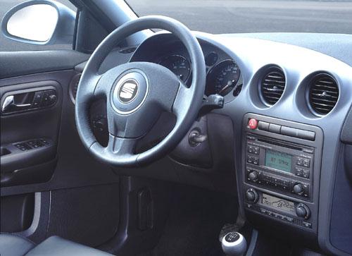 Nový SEAT Cordoba vpremiéře na autosalonu v Paříži