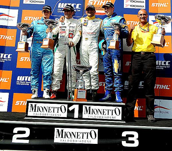 Po závodu WTCC vuplynulém víkendu vBrně SEAT a Tarquini nadále vedou průběžné pořadí šampionátu FIA WTCC