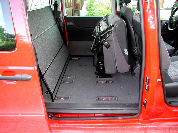 Mercedes-Benz na autosalonu Autotec 2002 - od kompaktního vanu až po nejtěžší nákladní automobily (1)