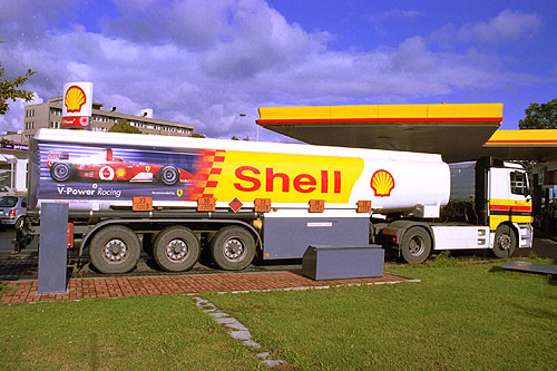 Ferrari Vám veze Shell V-Power!