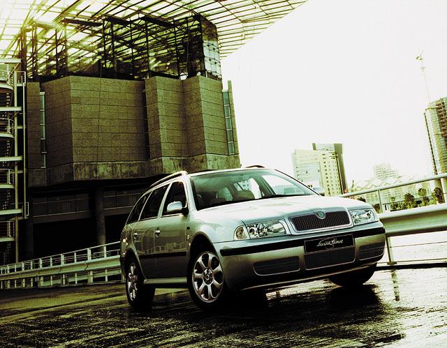 Mezinárodní představení Škody Octavia modelový rok 2001 (7. část)