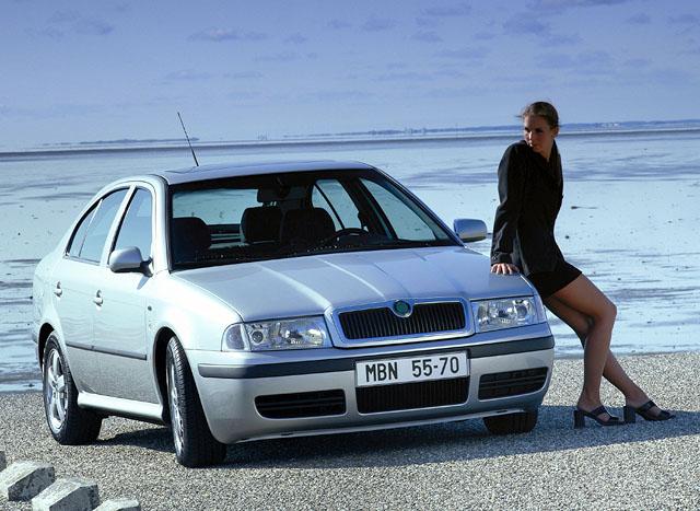 Škoda Octavia vmodelovém roce 2001 v prodeji
