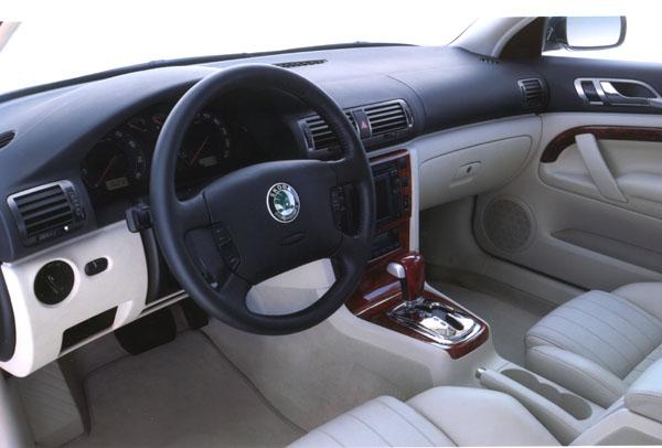 Škoda Superb Autem roku 2002 vJugoslávii