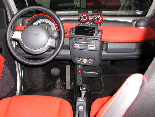 Smart City Coupé snaftovým motorem 0,8 litru se šestistupňovou automatickou převodovkou vtestu redakce