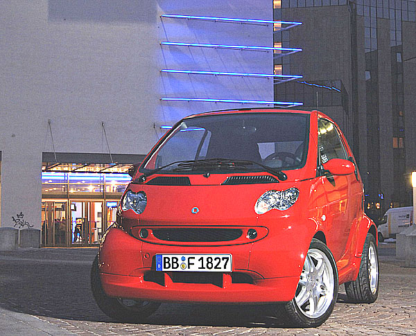 smart fortwo edition red na Autosalonu v Paříži