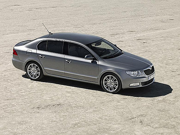 První oficiální fotografie nového modelu Škoda Superb