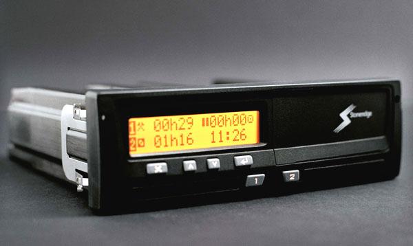 Scania podporuje digitální přenos dat ztachografů