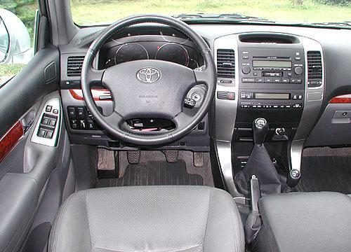 Toyota Land Cruiser na silnici i vterénu vtestu redakce