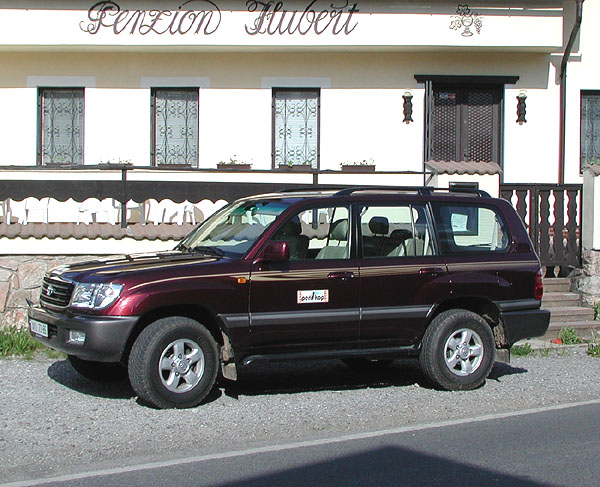 Toyota Land Cruiser Wagon na silnici i v terénu