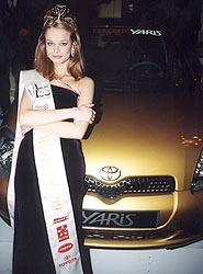 Tři Toyoty Yaris uděleny na soutěži Miss 1999