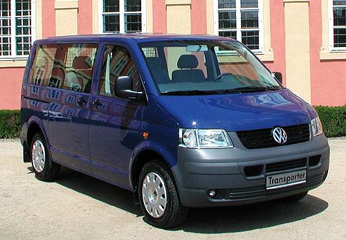 Nový VW Transportér a nový VW Multivan byly představeny minulý týden novinářům, vpátek 20. června byl zahájen vČR jejich prodej
