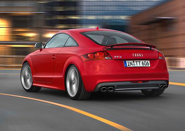 Nové sportovní Coupé Audi TTS: navrženo pro zábavu za volantem