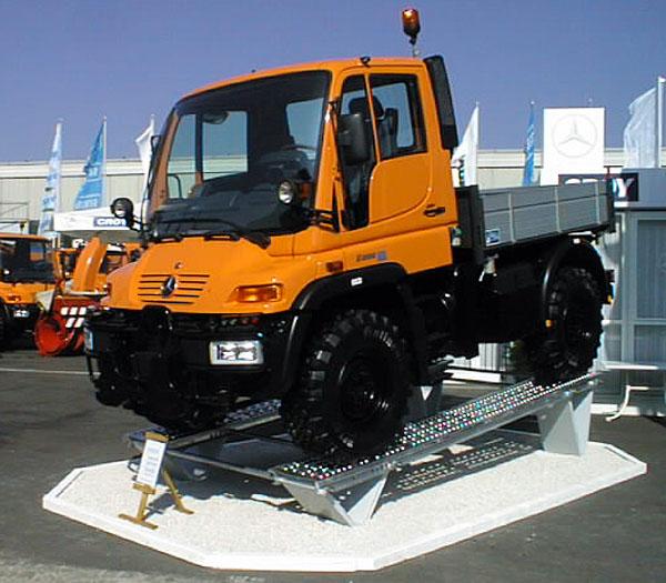 """MB Unimog U300/U400: Jedinečný """"pracant"""""""