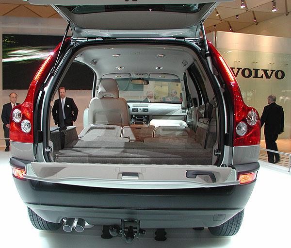 Volvo XC90 v evropské premiéře na březnovém ženevském autosalonu (1)