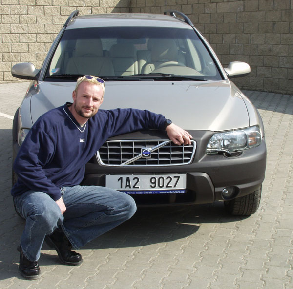 Volvo předalo Tomášovi Dvořákovi nové Volvo V70 XC