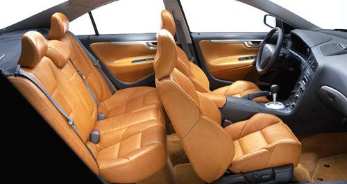 Nové Volvo S60 R smotorem o výkonu 300 k