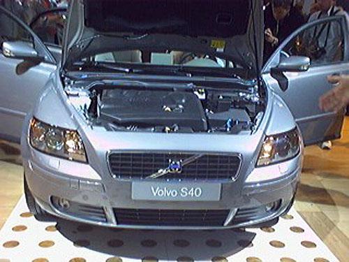 Zcela nové Volvo S40 představeno na autosalonu ve Frankfurtu (4)