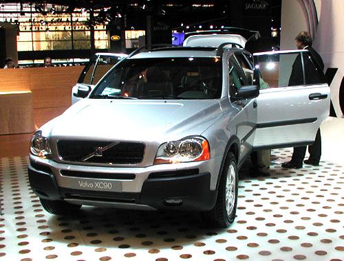 SUV nové generace značky Volvo XC90 získalo prestižní ocenění Motor Trend 2003 Sport/Utility of the Year
